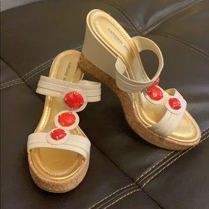 NWOB Antonio Melani Coral Leather Wedge Sandal